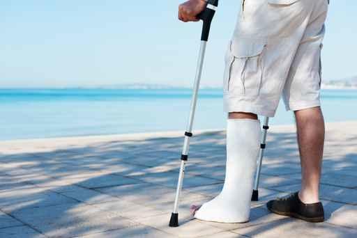 realitza tractaments de rehabilitació física a domicili a tota la ciutat de Barcelona.